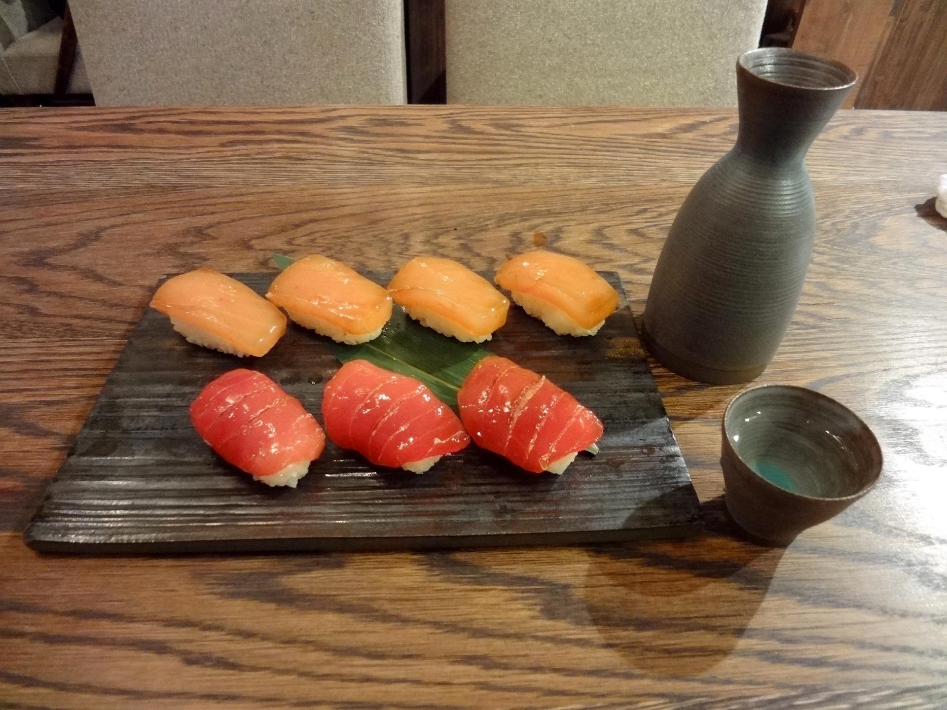 大東寿司と日本酒「黎明」