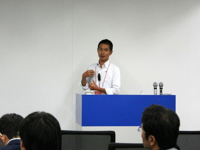 講演中の江木典之さん(Agile Japan 2014 スポンサーセッションB-3)