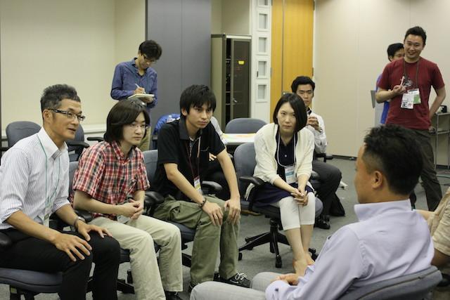 ロールプレイング中の執筆者(Agile Japan 2014 ワークショップE-1)